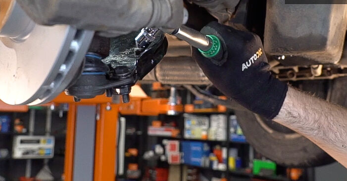 FIAT DOBLO 1.6 16V Control Arm replacement: online guides and video tutorials