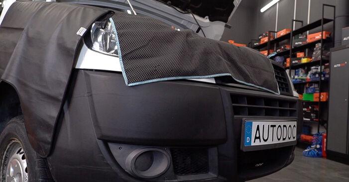 Keilrippenriemen Fiat Doblo Cargo 1.9 D 2003 wechseln: Kostenlose Reparaturhandbücher