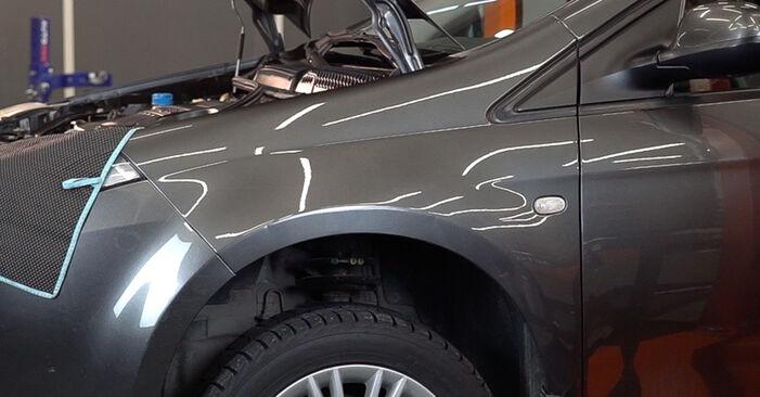 Wechseln Bremsscheiben am FIAT BRAVO II (198) 1.4 T-Jet 2009 selber