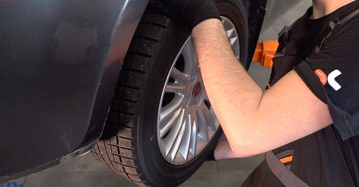 How to remove FIAT BRAVA 1.4 LPG 2010 Anti Roll Bar Links - online easy-to-follow instructions