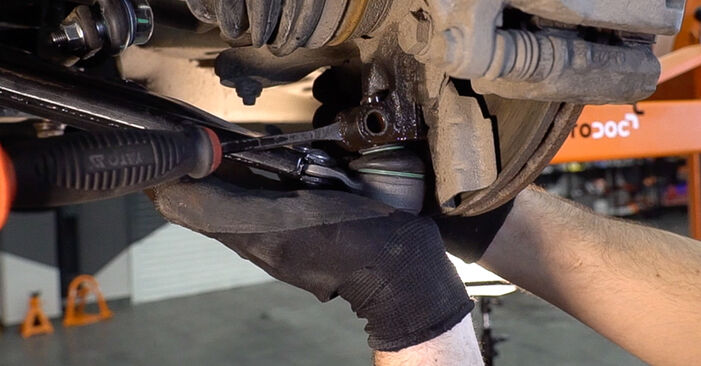 Changing Control Arm on FIAT BRAVO II (198) 1.4 T-Jet 2009 by yourself