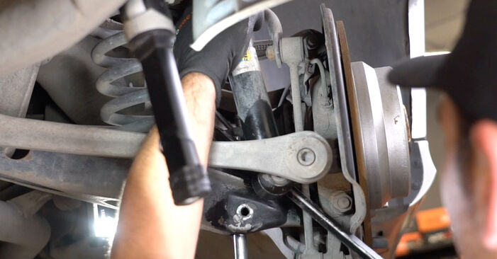 Changing Shock Absorber on MERCEDES-BENZ E-Class Saloon (W211) E 220 CDI 2.2 (211.008) 2005 by yourself