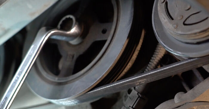 Vanskelighetsgrad: Bytt Kileribberem på Toyota Yaris p1 1.0 (SCP10_) 2005 – last ned illustrert veiledning
