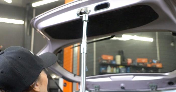 Πώς να αντικαταστήσετε TOYOTA Yaris Hatchback (_P1_) 1.0 (SCP10_) 2000 Αμορτισέρ Πορτ Μπαγκαζ - εγχειρίδια βήμα προς βήμα και οδηγοί βίντεο