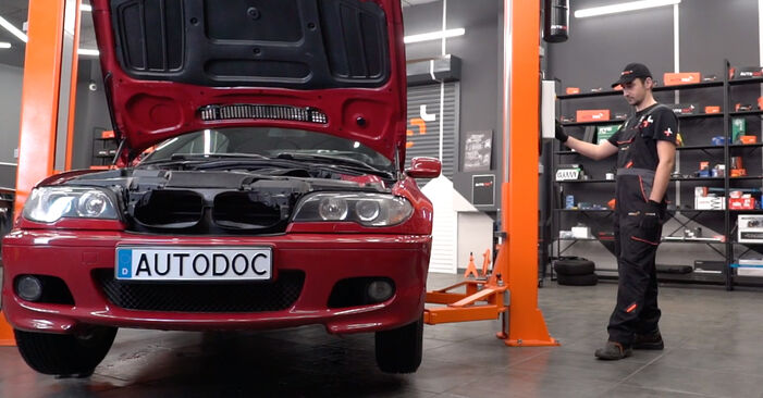 Wechseln Bremsbeläge am BMW 3 Cabrio (E46) 318Ci 2.0 2001 selber