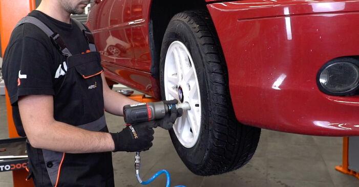 Wie BMW 3 SERIES 323Ci 2.5 2002 Bremsbeläge ausbauen - Einfach zu verstehende Anleitungen online