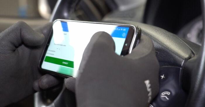 Смяна на Индикатор за износване на Mercedes W211 2004 E 220 CDI 2.2 (211.006) самостоятелно