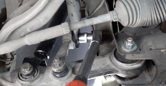 Смяна на Mercedes W211 E 270 CDI 2.7 (211.016) 2004 Пружинно окачване: безплатни наръчници за ремонт