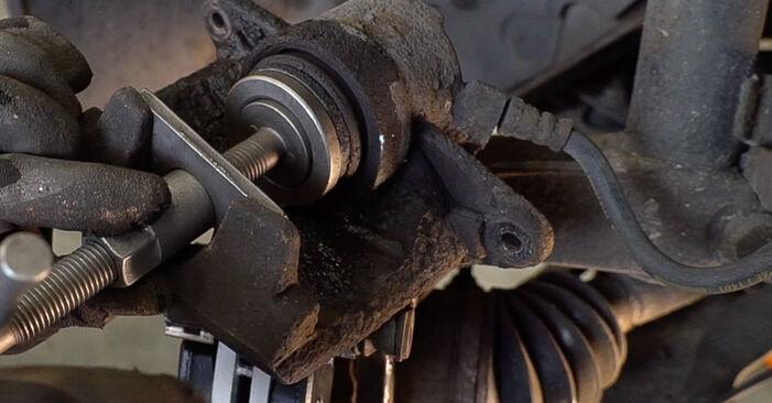 Austauschen Anleitung Bremsscheiben am Renault Scenic 2 2005 1.9 dCi selbst