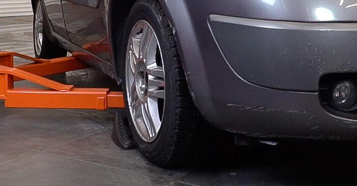 Renault Scenic 2 1.5 dCi 2005 Klinový rebrovaný remen výmena: bezplatné návody z našej dielne