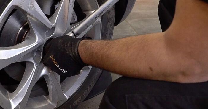 Austauschen Anleitung Querlenker am Peugeot 208 1 2012 1.4 HDi selbst