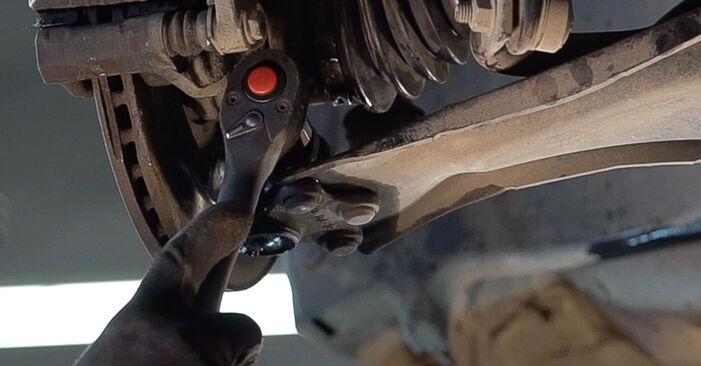 Querlenker beim PEUGEOT 208 1.6 GTi 2019 selber erneuern - DIY-Manual