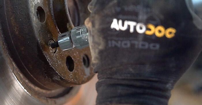 Κάντε μόνοι σας την αντικατάσταση ALFA ROMEO 159 Sportwagon (939) 2.0 JTDM 2011 Δισκόπλακα - online tutorial