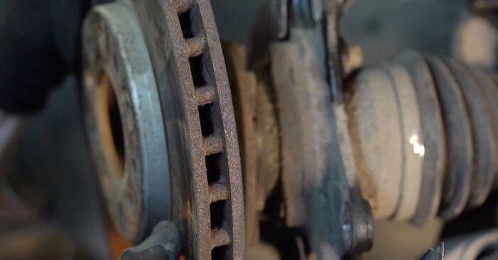Πώς να αντικαταστήσετε ALFA ROMEO 159 Sportwagon (939) 1.9 JTDM 16V 2006 Δισκόπλακα - εγχειρίδια βήμα προς βήμα και οδηγοί βίντεο