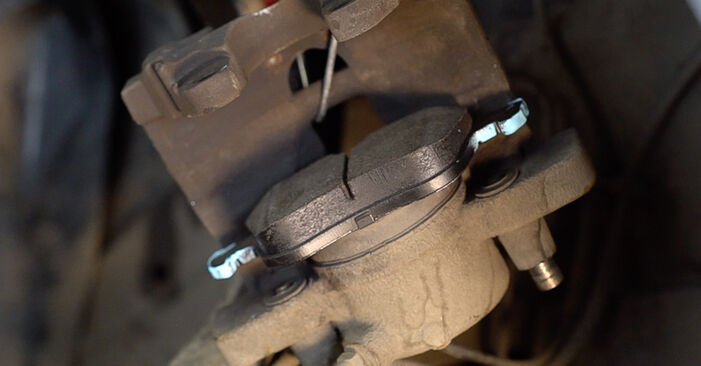 Αντικαθιστώντας μόνοι σας Δισκόπλακα στο Alfa Romeo 159 Sportwagon 2007 1.9 JTDM 16V
