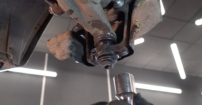 How to replace Wheel Bearing on ALFA ROMEO 159 Sportwagon (939) 2010: download PDF manuals and video instructions