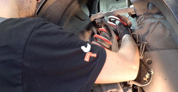 Changing Control Arm on ALFA ROMEO 159 Sportwagon (939) 1.9 JTDM 8V 2008 by yourself