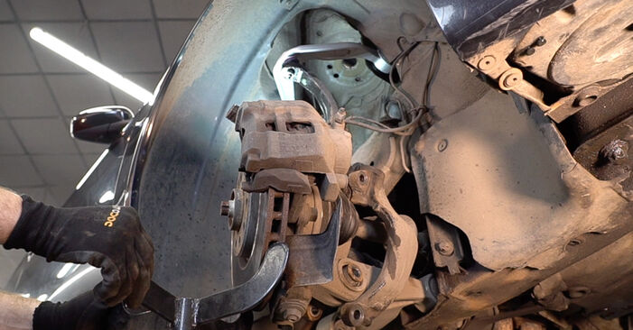 Alfa Romeo 159 Sportwagon 2.4 JTDM 2007 Control Arm replacement: free workshop manuals