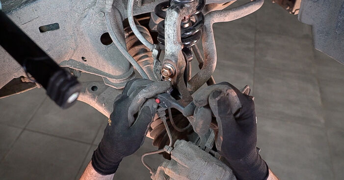Schritt-für-Schritt-Anleitung zum selbstständigen Wechsel von Toyota Prado J120 2006 3.0 D-4D Bremsscheiben