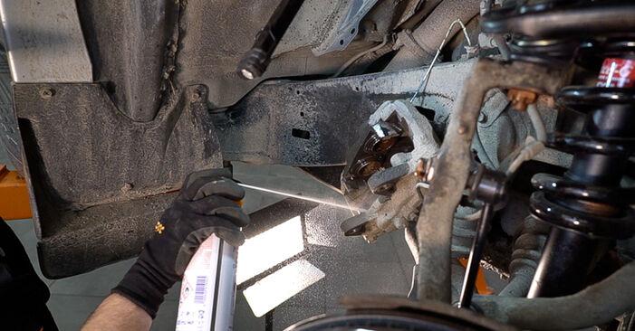 Wie schwer ist es, selbst zu reparieren: Bremsscheiben Toyota Prado J120 3.0 D 2008 Tausch - Downloaden Sie sich illustrierte Anleitungen