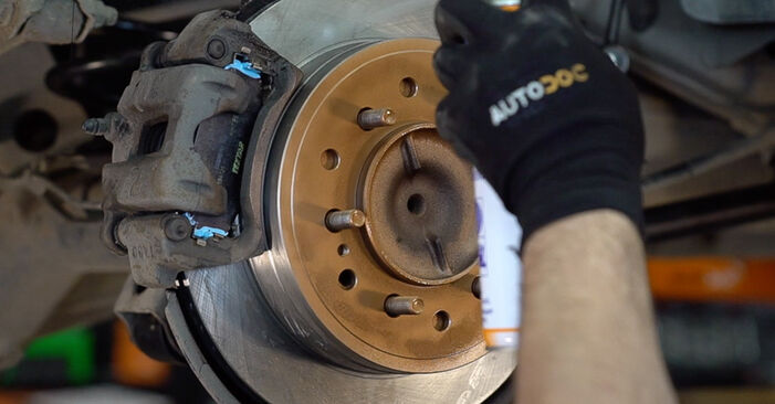 How to remove TOYOTA LAND CRUISER 3.0 D-4D 2006 Brake Pads - online easy-to-follow instructions
