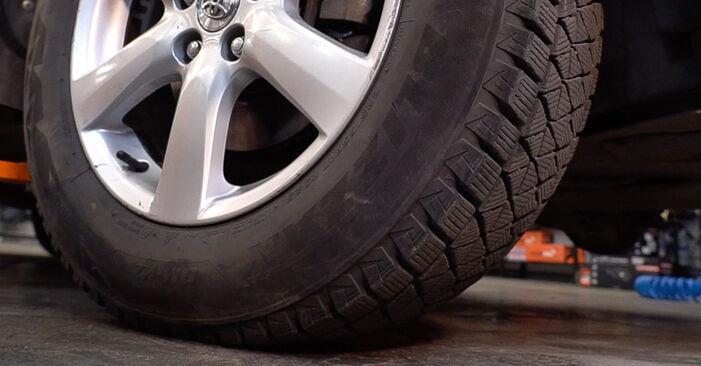TOYOTA RAV4 2012 Fékbetét lépésről lépésre csere útmutató