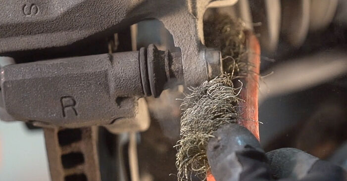 Need to know how to renew Brake Discs on TOYOTA RAV4 ? This free workshop manual will help you to do it yourself