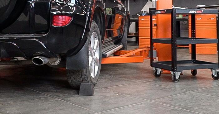Как да сменим TOYOTA RAV 4 III (ACA3_, ACE_, ALA3_, GSA3_, ZSA3_) 2.2 D 4WD (ALA30_) 2006 Спирачен диск - стъпка по стъпка инструкции и видео ръководства