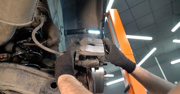 TOYOTA RAV4 2012 Спирачен диск стъпка по стъпка наръчник за смяна