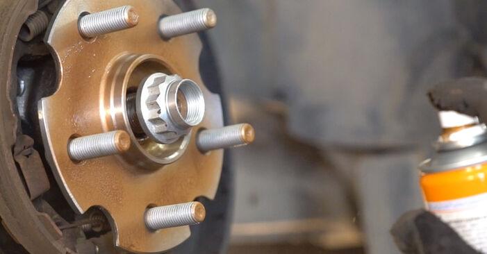 Substituição de TOYOTA RAV4 2.2 D 4WD (ALA30_) Rolamento da Roda: guias online e tutoriais em vídeo