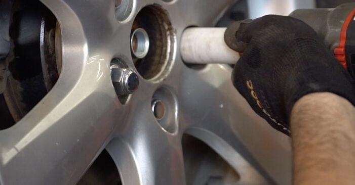 Substituição de Toyota RAV4 III 2.0 4WD (ACA30_) 2007 Rolamento da Roda: manuais gratuitos de oficina