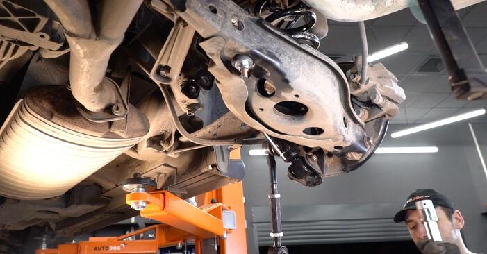 Substituindo Braço De Suspensão em Toyota RAV4 III 2006 2.2 D 4WD (ALA30_) por si mesmo