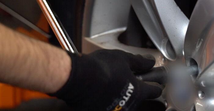Wie Querlenker BMW 3 Coupe (E92) 320d 2.0 2006 austauschen - Schrittweise Handbücher und Videoanleitungen