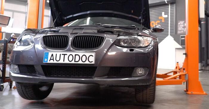 BMW E92 320d 2.0 2006 Roka zamenjava: brezplačni priročnik delavnice