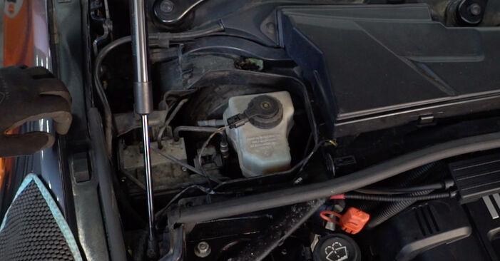 Bremsbeläge BMW E92 335d 3.0 2003 wechseln: Kostenlose Reparaturhandbücher