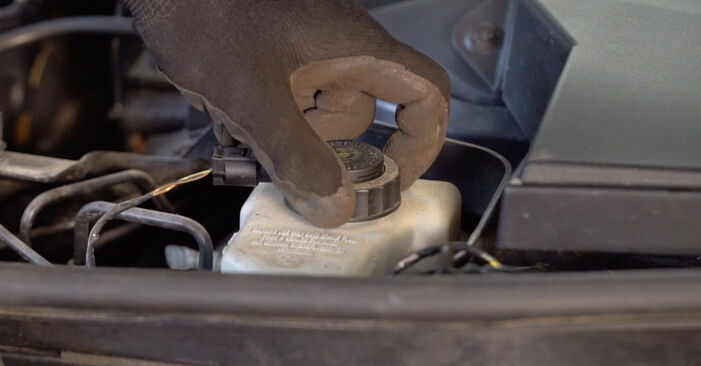 Tausch Tutorial Bremsbeläge am BMW 3 Coupe (E92) 2003 wechselt - Tipps und Tricks