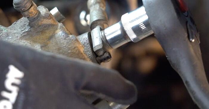 Tausch Tutorial Bremssattel am VW Golf IV Schrägheck (1J1) 2000 wechselt - Tipps und Tricks