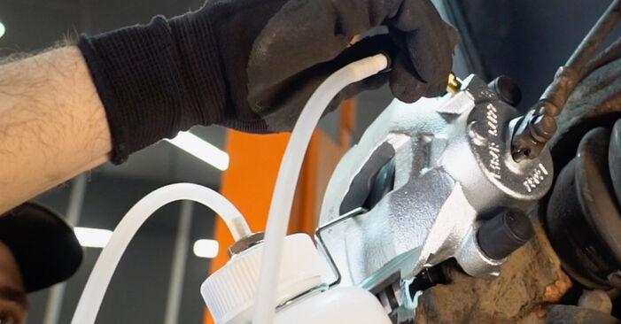 VW GOLF 1.9 TDI Bremssattel ausbauen: Anweisungen und Video-Tutorials online