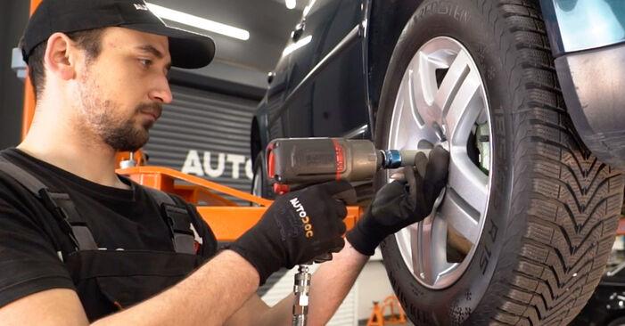 Wechseln Bremssattel am VW Golf IV Schrägheck (1J1) 1.9 TDI 2000 selber