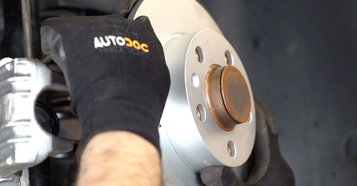 How to replace VW Golf IV Hatchback (1J1) 1.4 16V 1998 Brake Discs - step-by-step manuals and video guides