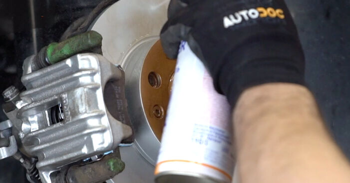 VW GOLF 1.6 16V Brake Discs replacement: online guides and video tutorials