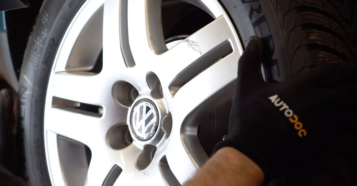 Replacing Brake Discs on Golf 4 1998 1.4 16V by yourself