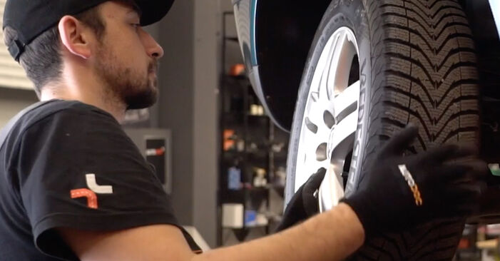 How to replace Brake Discs on VW Golf IV Hatchback (1J1) 2002: download PDF manuals and video instructions