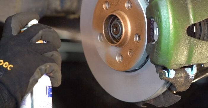 Wie problematisch ist es, selber zu reparieren: Bremsscheiben beim Golf 4 1.4 16V 2003 auswechseln – Downloaden Sie sich bebilderte Tutorials