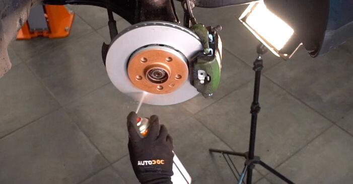 Vezetőkar fej VW Golf IV Hatchback (1J1) 2002 csere - töltsön le PDF útmutatókat és utasításokat tartalmazó videókat