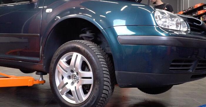 VW Golf IV Hatchback (1J1) 1.4 16V 1998 Vezetőkar fej csere – minden lépést tartalmazó leírások és videó-útmutatók