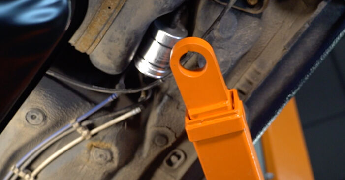 Austauschen Anleitung Kraftstofffilter am Golf 4 1998 1.4 16V selbst