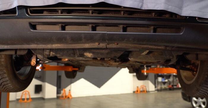 Golf IV Schrägheck (1J1) 1.8 T 1999 1.6 Kraftstofffilter - Handbuch zum Wechsel und der Reparatur eigenständig