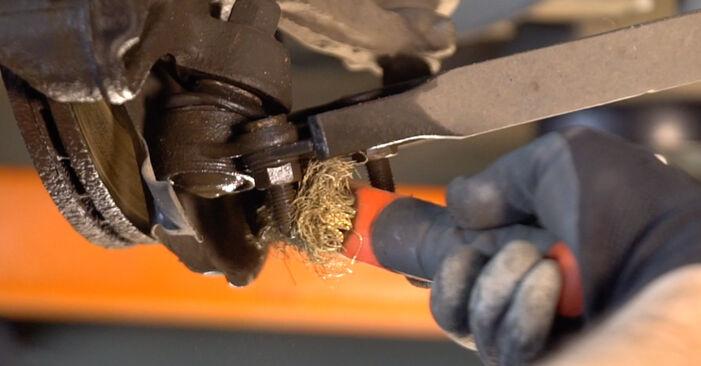 Golf 5 1.6 2005 Spyruoklės keitimas: nemokamos remonto instrukcijos