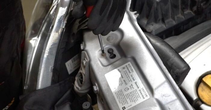 Opel Meriva x03 1.6 16V (E75) 2005 Gyújtógyertya cseréje: ingyenes szervizelési útmutatók